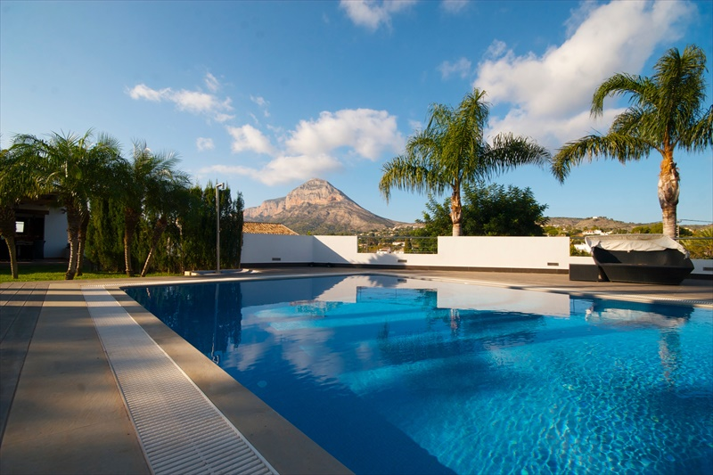 Villa en venta en javea ref cr0941 for Piscina 10x4 precio